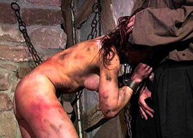 Cruel Medieval torture of woman suspected in witchcraft